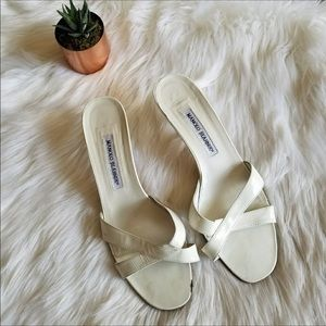 💄Manolo Blahnik White Kitten Heel Sandals